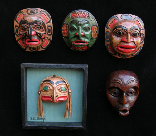 Extra Detailed Miniature Mask Items